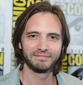 Fans Notice X-Men Star Aaron Stanford Been Dating, Is He Getting Married?