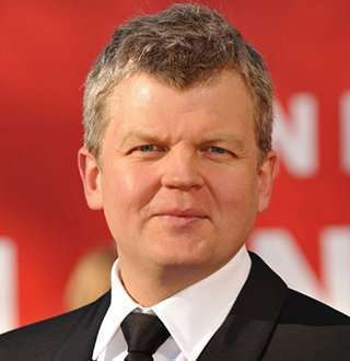 Adrian Chiles Dated Amid False Affair Rumors With Reel Partner, A Girlfriend To Lean On?