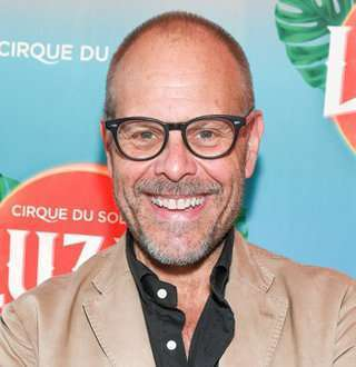 Celeb Chef Alton Brown & Flames Up Married Life | Divorce Ends Love
