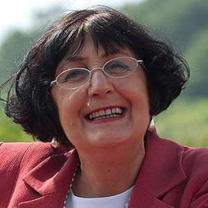 Anita Manning, Married With Furtive Husband On Roadtrip; Living Joys Of Life