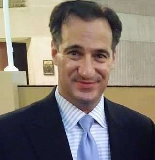 Carl Azuz Wiki: CNN Journalist's Age, Wife, Family, Salary & Untold Facts