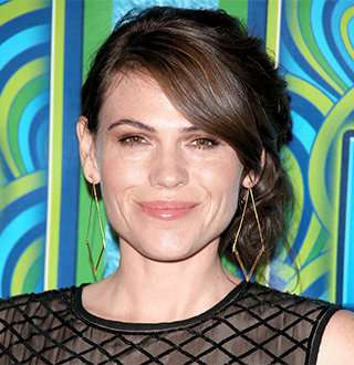 Clea DuVall Dating, Girlfriend, Gay, Net Worth