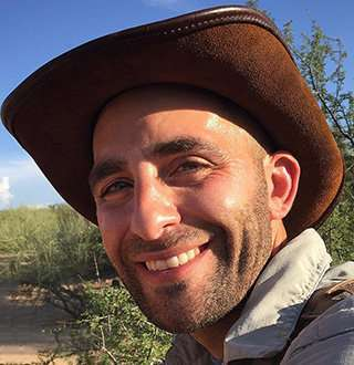 Coyote Peterson Wiki Behind Adventure Who Is Wife Of