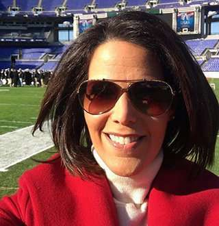Dana Jacobson Married Plans & Husband-To-Be Details With Family On Mind