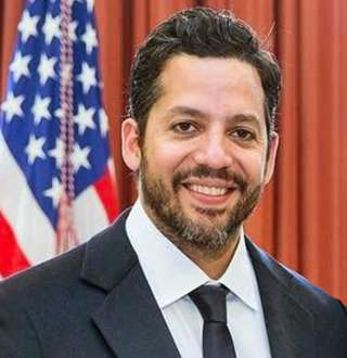 David Blaine Married With Wife In 2018? Daughter & Father Time Reflect Happiness Level