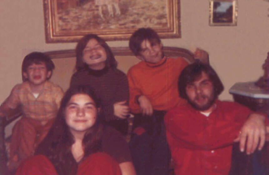 Robert DeFeo Jr. with hissiblings.(Source: The Amityville Murders)