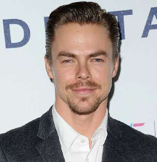 DWTS' Derek Hough & Girlfriend Dating Strong; Siblings & Net Worth Details