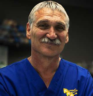 'Mountain Vet' Dr. Jeff Young Wiki: A Cancer Victim Who Is Now Saving Lives