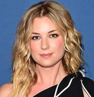 Emily VanCamp Turning Co-Star Boyfriend Into Husband! Engaged But Waiting