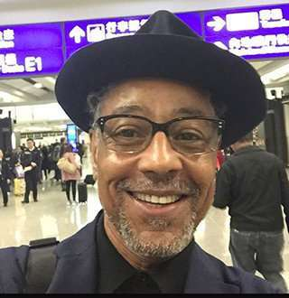 Giancarlo Esposito, Parents To Four Single Now! Smiles With Gorgeous Wife Over?