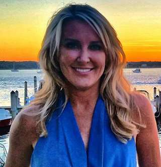 Fox Anchor Heather Childers Flaunts Chances Getting Married To Husband-Like Figure