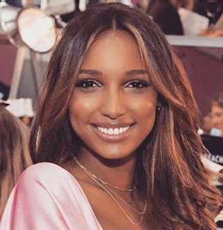 ad4cc99945 jasmine tookes brown hair Jasmine Tookes Ecstatic   Romantic Dating Moments  With Boyfriend .