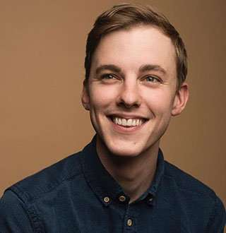 Jon Cozart - Guy With Girlfriend Hints On Gay Side! 'After Ever After' Singer's Detail