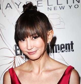 Rumored Gay Kimiko Glenn's Partner In Crime Showcase Adorable Dating Moments