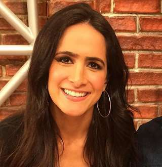 MLB's Lauren Shehadi Dons Shiny Rock On Ring Finger In 2018, Engaged, Married, Or Single?