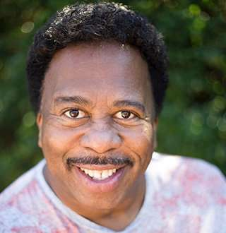 Leslie David Baker Married Status On & Off Screen, Who Is His Wife?