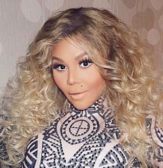 Lil' Kim Age 44 Cuddles Daughter Amid Nasty Baby Daddy Battle