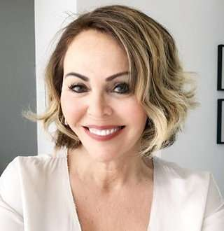 Maria Elena Salinas Life After Divorce With Husband; Married, Daughters, Net Worth Details