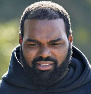Michael Oher Married Life Found! Wife Picture, Controversy, Real Parents