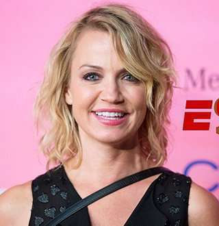 Michelle Beadle Dating Boyfriend Steve Ends In 2016, Is She Married In 2018 (also her net worth)?