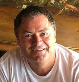 Mike Brewer Gigantic Net Worth & Family With Wife, Both Equally Impressive