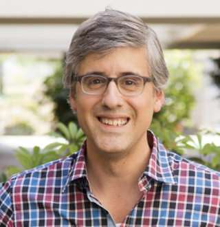 Innovation Nation Mo Rocca Age 49; Proud Gay Man Married? The Answer