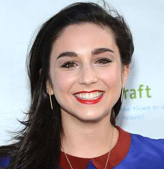 Is Molly Ephraim Married Now? From Personal Detail To Measurements