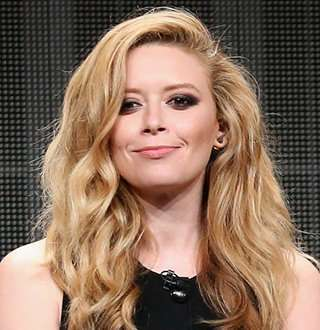 Reel Life Lesbian Natasha Lyonne Once Married Boyfriend Cheated! Dating Flaw?
