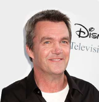 Rumored Gay Neil Flynn's Wife & Family Exists; Not Where Fans Expect