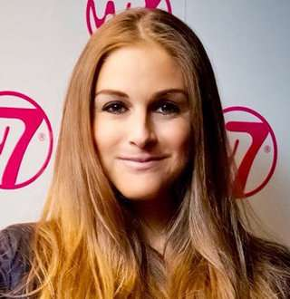 Nikki Grahame Married Life Far Away; She's Juggling Boyfriend At Age 36