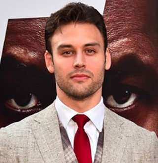 9-1-1's Ryan Guzman's Hottest Girlfriend, Possible Wife-To-Be Revealed! Facts & Details