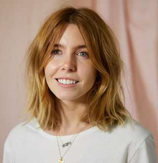 Stacey Dooley Hunky Partner Dating Bliss! Personal Life Filled With Smooches