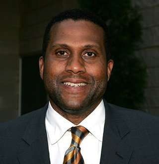 Tavis Smiley Finding Wife In Workplace! Getting Married Soon Amid Turmoil?