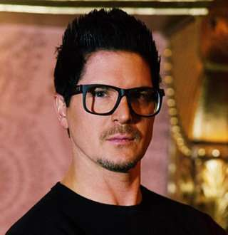 Why Zak Bagans Age 41 Is Not Gay | Married With Wife Now?